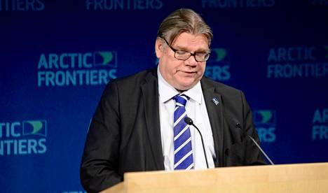 Ulkoministeri Timo Soini osallistui maanantaina Tromssassa Pohjois-Norjassa konferenssiin, jonka varsinaisena aiheena oli yhteistyö arktisilla alueilla.