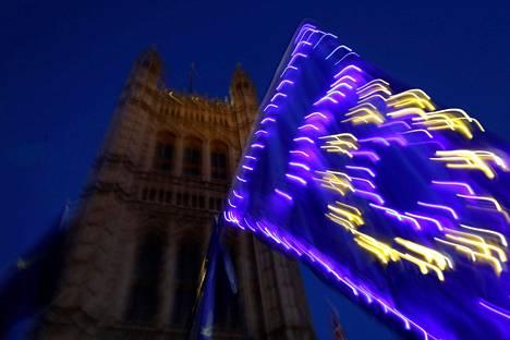 Britannian on määrä erota EU:sta 31. lokakuuta. Britannia on kuitenkin anonut erolle lykkäystä.