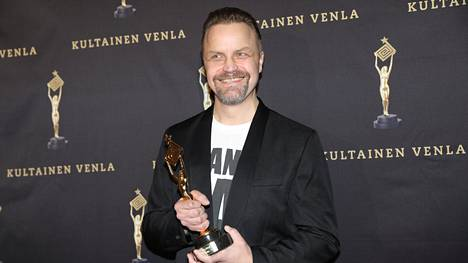 Jani Volasen ohjaama M/S Romantic voitti alkuvuodesta 2020 järjestetyssä Kultainen Venla -gaalassa muun muassa parhaan draamasarjan palkinnon.