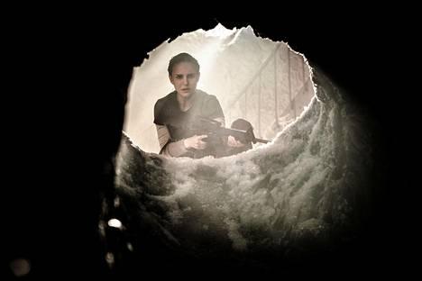 Natalie Portman on Hävityksen päähenkilö, biologi ja ex-sotilas Lena.