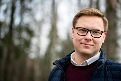 Kokoomuksen ryhmänjohtaja Daniel Sazonov sanoo, että kokoomuksen uusi pormestariehdokas voi olla myös aivan toisenlainen henkilö kuin Jan Vapaavuori.
