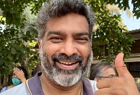 Kaliesh Shah jonotti koronavirusrokotetta Cooperin sairaalalla Mumbaissa tiistaina.
