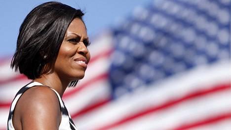 Michelle Obama vierailulla Yhdysvaltain merivoimien tukikohdassa vuonna 2010.
