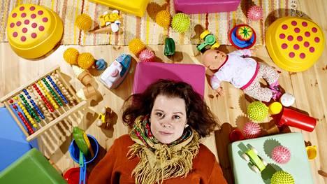 """""""Varakkaimmilla on mahdollisuus valita, mihin päiväkotiin lapsi menee"""", kertoo varhaiskasvatuksen opettaja Anna Nurmesniemi."""