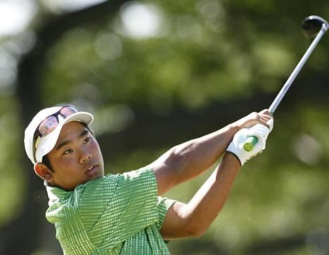 Tadd Fujikawa pelasi 18-vuotiaana vuonna 2009 PGA-kiertueen kilpailussa Havaijilla ja sijoittui 32:nneksi.