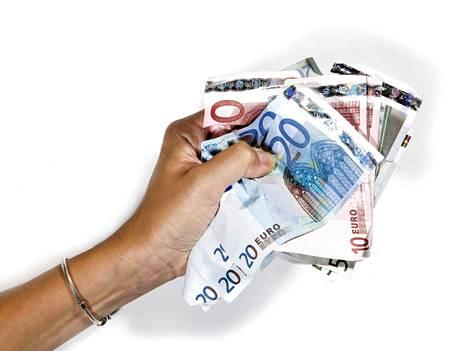 Asiantuntijat neuvovat kiinnittämään erityistä huomiota kulutukseen, kun suunnittelee ensi vuoden yksityistaloutta.