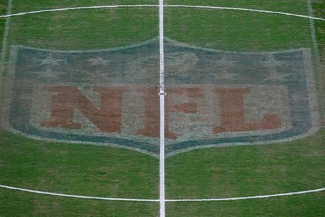 NFL:n tunnus koristaa Wembleyn stadionin nurmea.