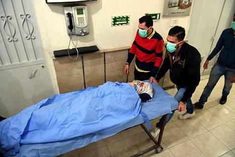 Todennäköisessä kaasuiskussa loukkaantunut Aleppon sairaalassa marraskuussa 2018.