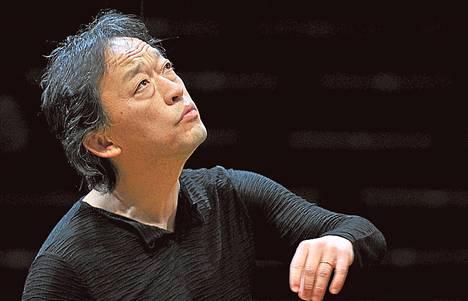 Myung-whun Chung on Soulin filharmonikkojen musiikillinen johtaja.