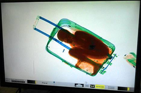Matkalaukkuun laitettu kahdeksanvuotias Abou-poika löydettiin Espanjan hallintoalueen rajanylityspisteeltä toukokuun alussa.