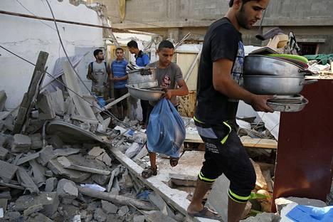 Al-Shatin pakolaisleirillä räjähti heinäkuun 28. päivä palestiinalaisten käyttämä ammus. Elokuun toisena päivänä leiriä tulittivat Israelin asevoimat.