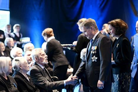 Tasavallan presidentti Sauli Niinistö ja puoliso Jenni Haukio oasllistuivat kansallisen veteraanipäivän valtakunnalliseen pääjuhlaan Lahdessa torstaina.