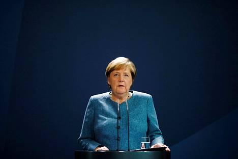 Saksan liittokansleri Angela Merkel lähetti harvinaisen kovasanaisen viestin Venäjälle syyskuussa ja vaati vastauksia rikoksesta, jonka uhriksi Aleksei Navalnyi oli joutunut.