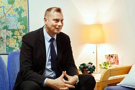 Janne Salmelalla on meneillään jo kahdeksas lukuvuosi opettajana ulkomailla. Ennen Moskovaa hän työskenteli Brysselissä ja Qatarissa.