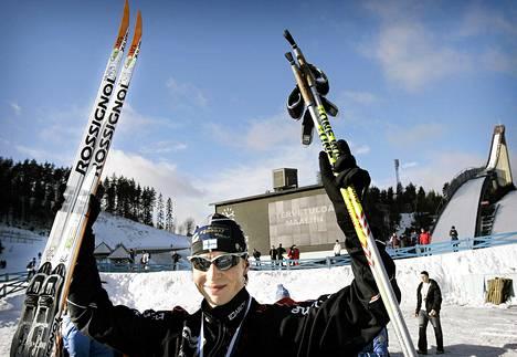 Kari Varis juhli Finlandia-hiihdon voittoa vuonna 2008.