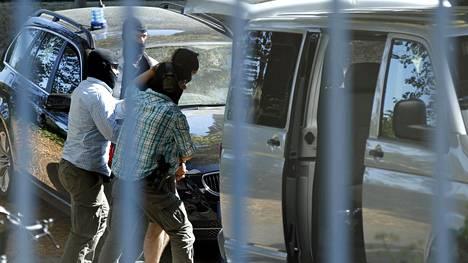 Saksan erikoisjoukot saattoivat terroristijärjestö Isisin jäseneksi epäiltyä syyrialaismiestä autoon syyskuussa.
