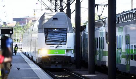 Myrsky saattaa aiheuttaa häiriöitä junaliikenteeseen.