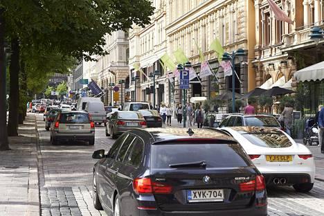 Helsingin kaupunkisuunnitteluvirastossa on kaavailtu Pohjoisesplanadin sulkemista kokonaan autoilta tai ajokaistojen vähentämistä.