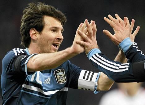Argentiínan Lionel Messi juhli maaliaan Sveitsiä vastaan helmikuussa.
