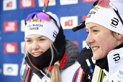 Vuokatti Ski Team Kainuun Vilma Nissinen (vas.) ja Katri Lylynperä voittivat toisen kerran peräkkäin sprinttiviestin Suomen mestaruuden.