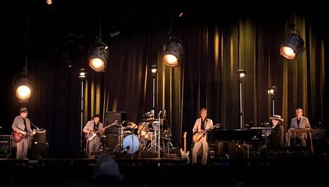 Bob Dylanin keikalla oli täydellinen kuvauskielto, mutta tunnelmavalaistus oli sama kuin tässä kuvassa Pori Jazzista 2014.