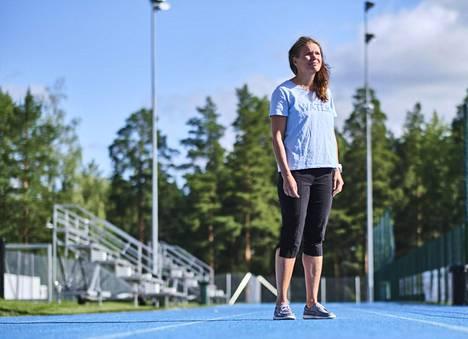 """Olympiakomitean ylilääkärin Maarit Valtosen mielestä urheilijoiden ja taustahenkilöiden testaamisessa koronaviruksen takia paikan päällä olympialaisissa olisi """"todella massiivinen työ""""."""