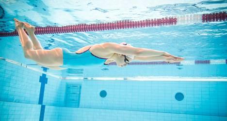 Roosa Mört harjoittelee yhdeksän kertaa viikossa. <br />Määrää on vielä varaa nostaa.