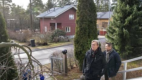 Jaakkimantien omakotitaloissa asuvat Lauri Toivio ja Petri Anttila pitävät ihmeenä sitä, että Jaakkimantien alue on säilynyt niin hyvin.