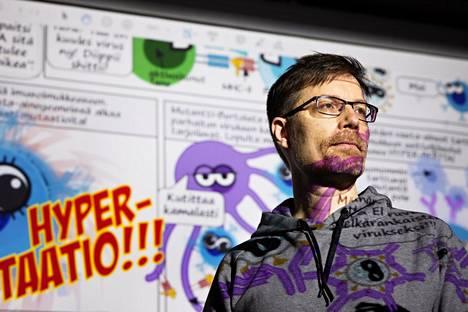 """Mikael Niku saattaa tulevaisuudessakin tehdä sarjakuvia kansantajuistamaan vaikeita asioita. """"Jos koronahommista puhutaan, niin en tekisi sarjakuvaa esimerkiksi infektioepidemiologiasta, koska en tiedä siitä tarpeeksi."""""""