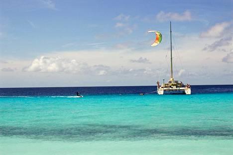 Moni tulee Curaçaolle vesiurheilun takia. Autiolla Klein Curaçao -saarella on mainiot mahdollisuudet snorklaukseen, sukellukseen ja leijasurffaukseen.