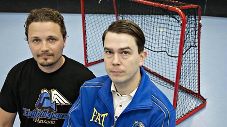 Joonas Naava (vas.) ja Jari Oksanen johtavat maailman suurinta salibandyseuraa EräViikinkejä.
