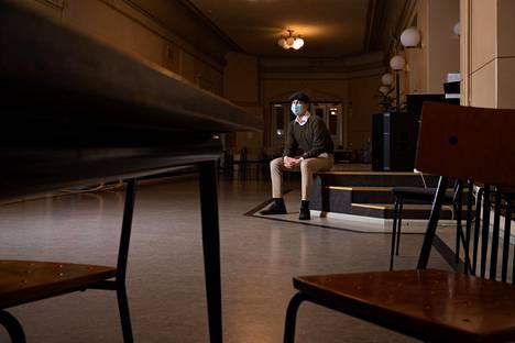 Valtaosalla lukiolaisista oppiminen kärsii etäopiskelussa enemmän tai vähemmän, sanoo Sibelius-lukion oppilaskunnan puheenjohtaja Atte Oikari.
