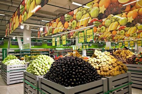 Prisman myymälä juuri avatussa Pearl Plaza -kauppakeskuksessa Pietarin lounaispuolella Venäjällä 23. elokuuta 2013.