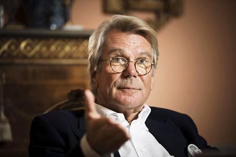 Björn Wahlroos toimii UPM:n hallituksen puheenjohtajana.