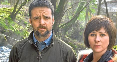 Richard Harrington ja Mali Harries ovat Aberystwythin etsivät.