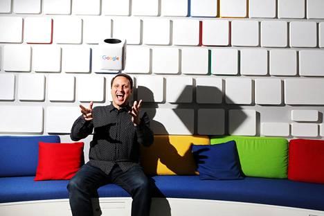 Rich Fulcher vieraili Helsingissä design-seminaarissa. Kun hän aloitti Googlessa 2009, sen palkkalistoilla oli noin 100 suunnittelijaa, ja nyt heitä on 3000.