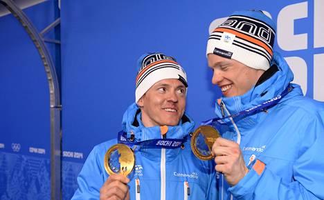 Olympivoittajat Sami Jauhojärvi (vas.) ja Iivo Pitkänen eivät kilpaile Salpausselällä.