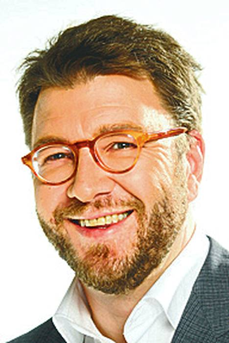 """Toimittaja Timo Harakka: """"Lähtökohtana on, että halli rahoitetaan yksityisin varoin, sanoi HIFK:n hallituksen puheenjohtaja Timo Everi. Epäluuloisena ihmisenä kiinnitän huomiota sanoihin 'lähtökohtana on'."""""""