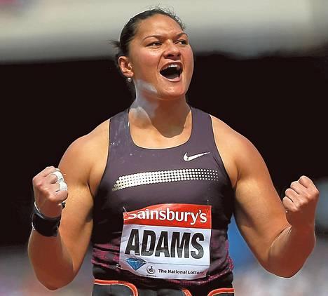 Valerie Adam kävi viime kesänä Lontoon olympiastadionilla verestämässä muistojaan Timanttiliigan kilpailussa, jonka hän tietenkin voitti.