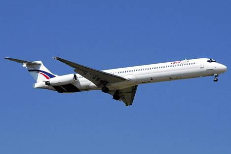 Swiftair-lentoyhtiön MD-83 -tyyppinen kone.