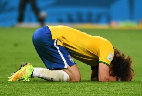 David Luiz oli ottelun päätyttyä murtunut mies.