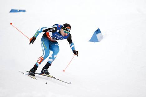 Martti Jylhä Falunin MM-kisojen parisprintin finaalissa.