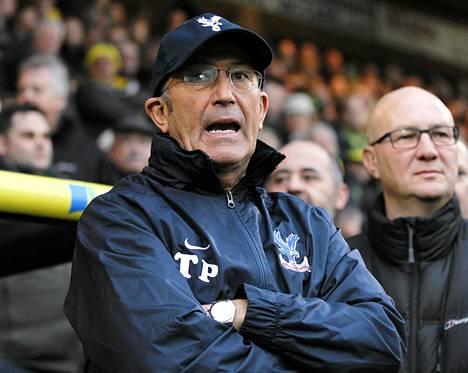 Tony Pulis tympääntyi pomoonsa Crystal Palacessa.