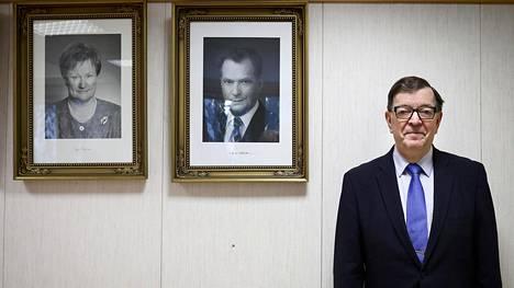 Europarlamentaarikko Paavo Väyrysen vaalitilaisuuden puitteet Suomussalmen valtuustosalissa olivat presidentilliset. Väyrynen kävi tammikuussa presidentinvaalikampanjaa Kainuussa ja Oulussa.