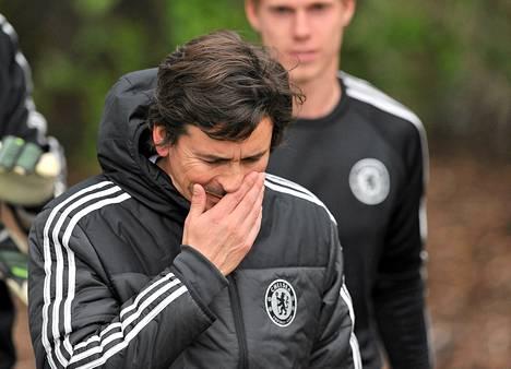 Chelsean kakkosvalmentaja sai kuuden ottelun toimitsijakiellon rähjättyään Sunderlandia vastaan pelatussa ottelussa huhtikuussa.