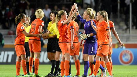 Hollannin pelaajat olivat tyytyväisiä tasapeliin Saksaa vastaan EM-kisoissa.
