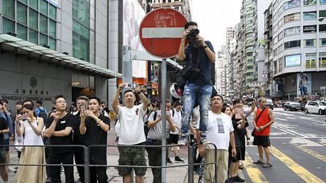 Hongkongissa mielenosoitukset ovat jatkuneet useita viikkoja.