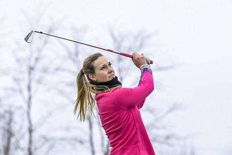 Sanna Nuutinen harjoitteli Espoossa huhtikuussa 2020.