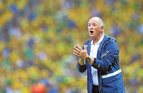 Brasilian jalkapallomaajoukkueen päävalmentaja Luiz Felipe Scolari elää otteluissa vahvasti tunteella mukana.