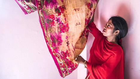 Muoti kiinnostaa, kertoo Farzana. Hän valitsi alansa itse.